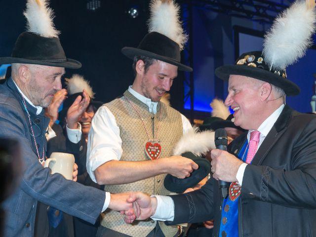 Von links: Christian Neureuther, Felix Neureuther und Christian Schottenhamel auf dem Filserball 2020, Foto: Nockherberg