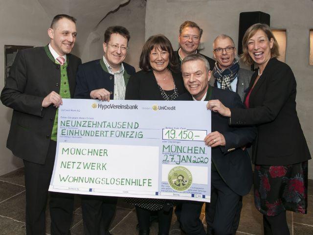 Scheckübergabe an Münchner Netzwerk Wohnungslosenhilfe, Foto: Herbert Liebhart/Münchner Innenstadtwirte