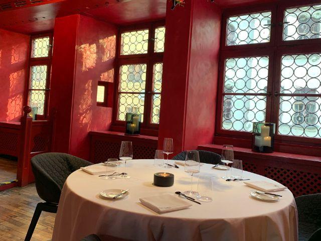 Popup Restaurant Nakamura Muenchen Innenraum Salon Rouge, Foto: Hoang Dang