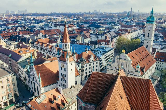 Die Stadtsparkasse München vom Alten Peter aus, Foto: Anette Göttlicher