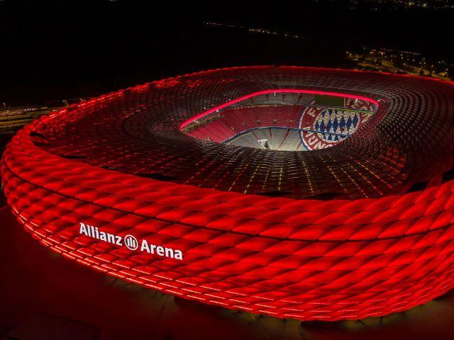 Luftaufnahme der Allianz Arena bei Nacht, Foto: Allianz Arena