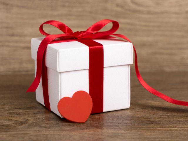 Geschenk zum Valentinstag, Foto: Shutterstock