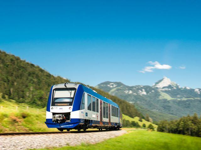 Regiobahn im Sommer., Foto: Dietmar Denger
