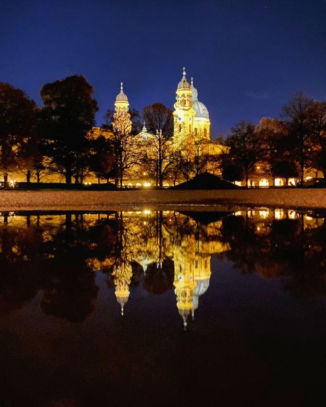 Die Theatinerkirche vom Hofgarten aus gesehen, Foto: Anette Göttlicher