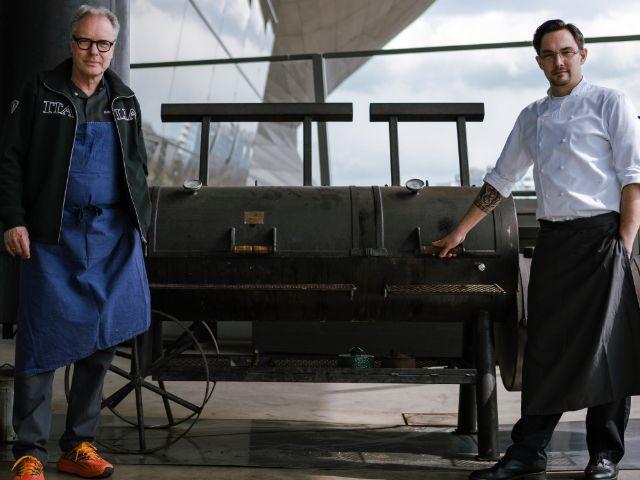 Zwei-Sterne-Koch Bobby Bräuer, aus dem Restaurant EssZimmer, und Dominik Kreuzig, Küchenchef der Bavarie, Foto: BMW Welt