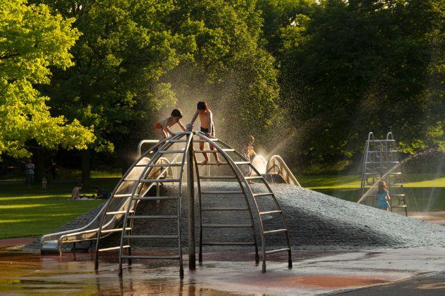 Spielplatz im Hirschgarten, Foto: Katy Spichal