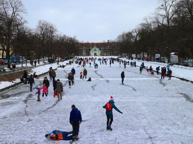 Winterspaß auf dem Schlosskanal Nymphenburg, Foto: Melina Pfeffer