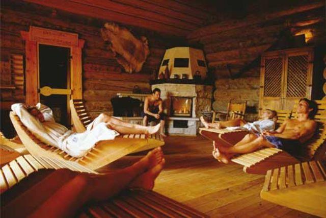 Saunieren in der Erdinger Therme, Foto: Therme Erding