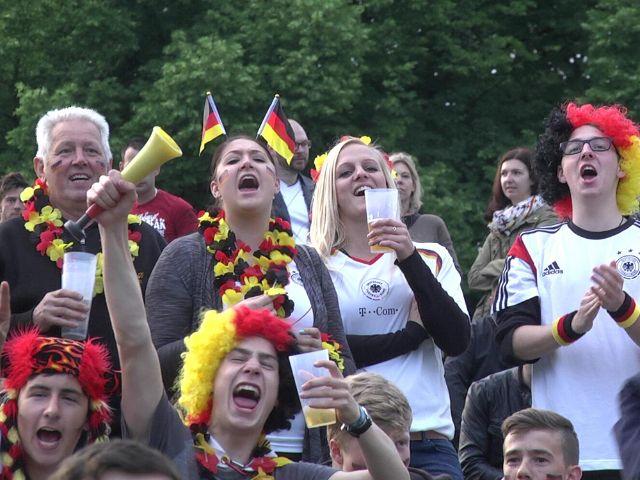 Impressionen vom Public Viewing im Olympiapark., Foto: muenchen.de/Immanuel Rahman