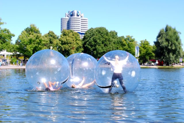 olympiasee, olympiapark, münchen, waterball, Foto: Michael Neißendorfer
