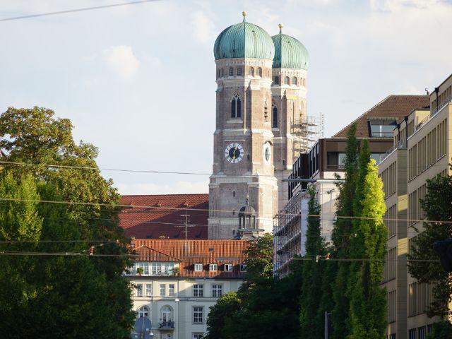 Frauenkirche ist ein Wahrzeichen Münchens, Foto: Dan Vauelle