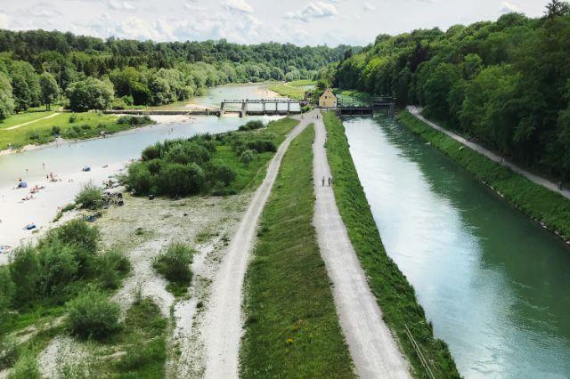 Blick auf die Isar nach Süden von der Großhesseloher Brücke, Foto: Anette Göttlicher