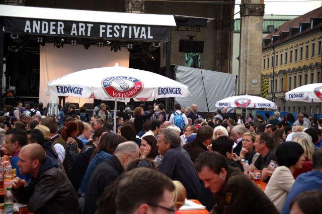 Besucher des Ander Art Festivals in München 2012