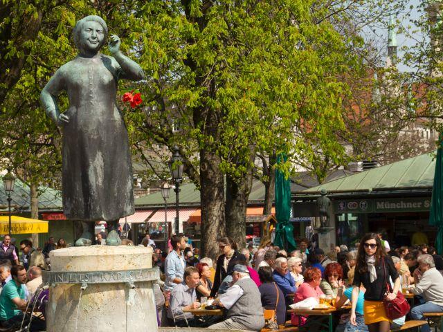 Frühling auf dem Viktualienmarkt, Foto: Katy Spichal