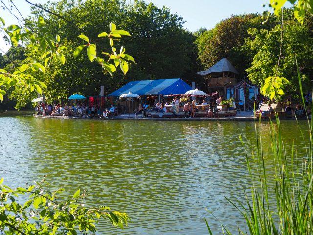 Das Gans am Wasser im Westpark, Foto: Marie-Lyce Plaschka
