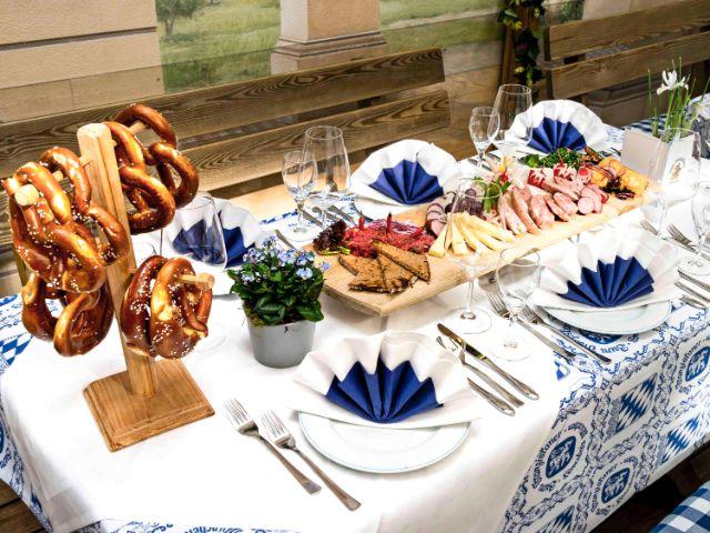 Gedeckter Tisch im Franziskaner, Foto: Zum Franziskaner