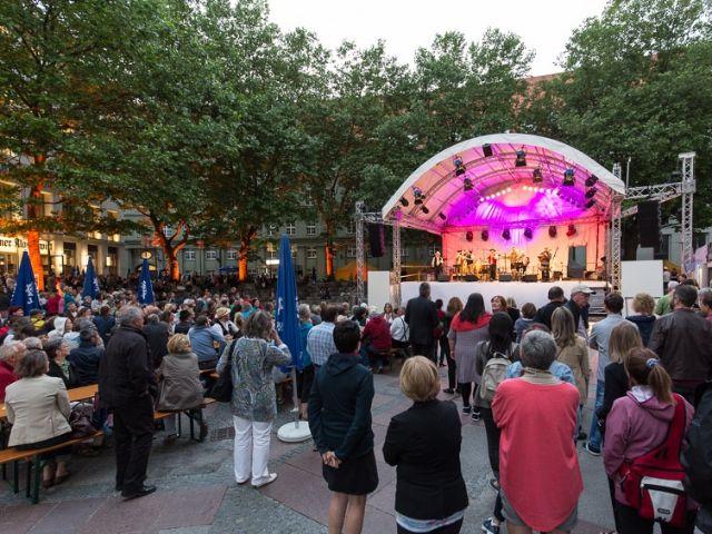 Bühne beim Bennofest am Frauenplatz