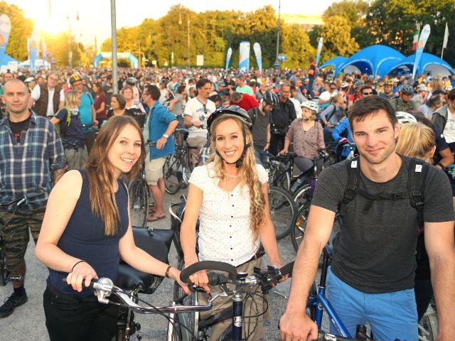 Junge Leute auf dem Fahrrad, Foto: muenchen.de/ Daniel Vauel