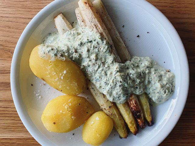 Spargel mit neuen Kartoffeln , Foto: Anette Göttlicher