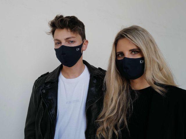 Mann und Frau mit Behelfsmasken, Foto: Everbasics