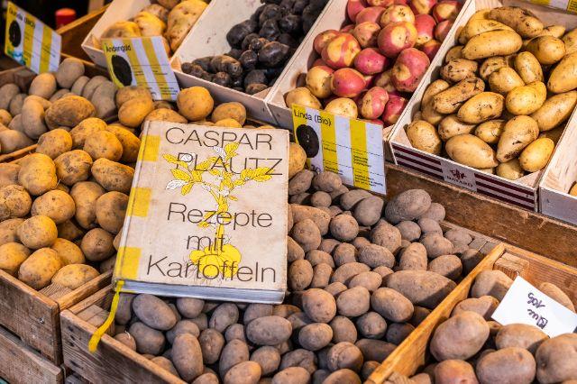 Das Kochbuch vom Kartoffelstand Caspar Plautz, Foto: Anette Göttlicher