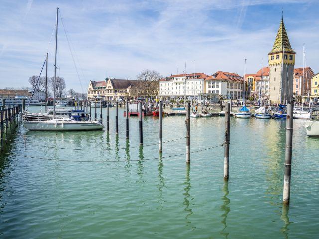 Segelboote im Hafen von Lindau, Foto: Anilah / Shutterstock.com