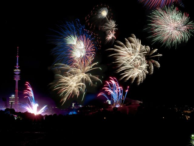 Feuerwerk an Silvester im Olympiapark