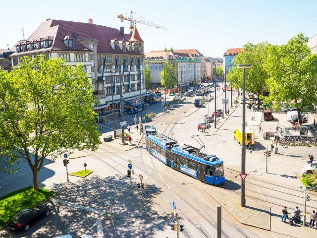 Tram am Bahnhofsplatz in München