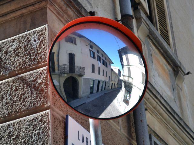 Ein konvexer Verkehrsspiegel - Trixi-Spiegel