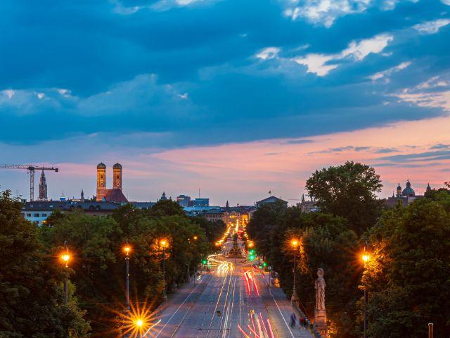 Aussicht vom Maximilianeum am Abend, Foto: muenchen.de/ Michael Hofmann