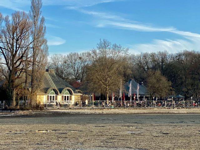 Seehaus und Kleinhesseloher See ohne Wasser, Foto: muenchen.de/Gunnar Jans