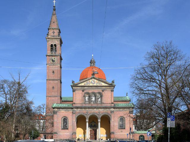 St. Ursula in Schwabing, Foto: muenchen.de/Michael Hofmann