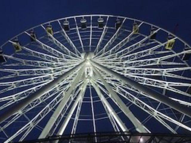 Das Riesenrad Hi-Sky im Münchner Werksviertel, Foto: Suzanne Bieber