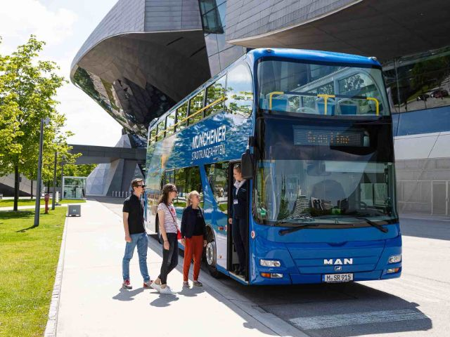 Gray Line Sightseeing Bus unterwegs in München, Foto: Gray Line Sightseeing