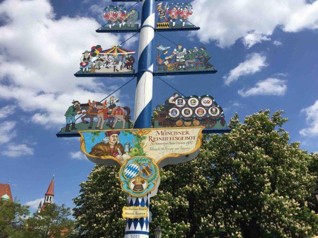 Der Maibaum am Viktualienmarkt, Foto: Weis(s)er Stadtvogel