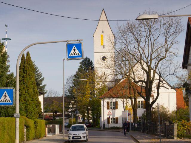 Sankt Peter und Paul Kirche in München Trudering, Foto: Katy Spichal