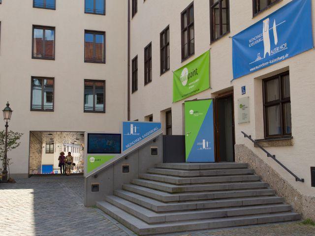 Infopoint Museen und Schlösser im Alten Hof, Foto: Katy Spichal
