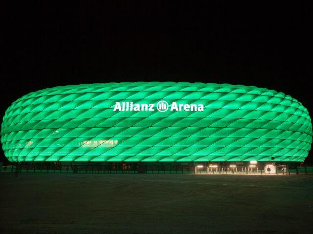 Sonderbeleuchtung der Allianz Arena in grün, Foto: Allianz Arena