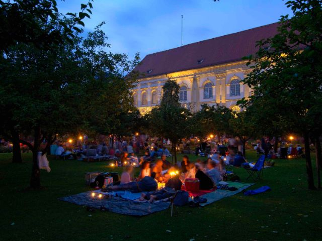 Barockpicknick im Hofgarten des Schloss Dachau