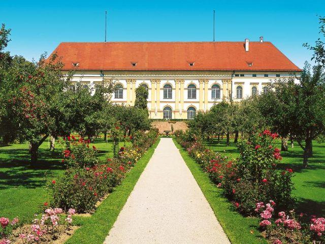 Die Gartenfassade von Schloss Dachau , Foto: Stadt Dachau