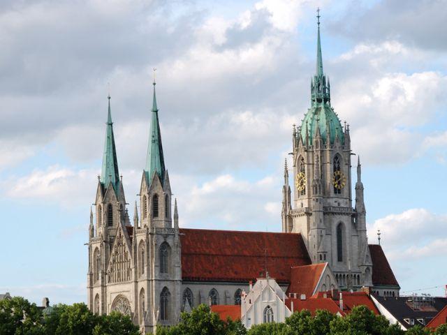 Von der Paulskirche hat man einen beeindruckende Aussicht, auch auf die Theresienwiese., Foto: Shutterstock