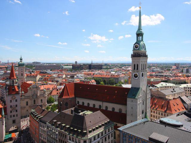 Der Alte Peter in München gehört zu den beliebten Sehenswürdigkeiten., Foto: Shutterstock