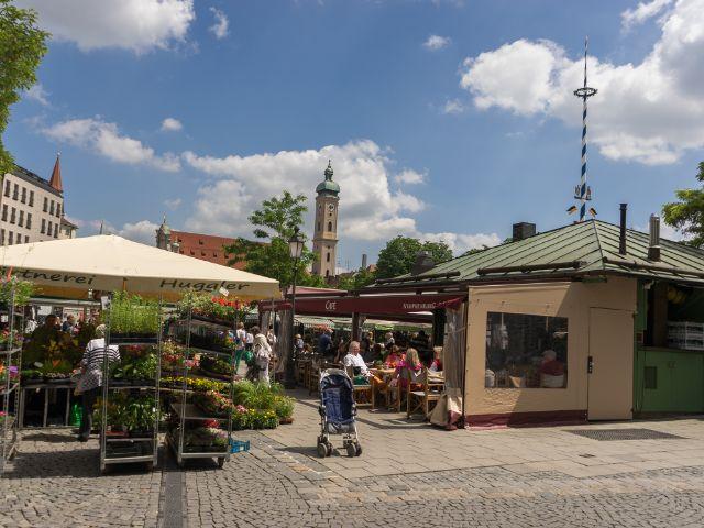 Der Viktualienmarkt im Sommer , Foto: muenchen.de/Lukas Fleischmann