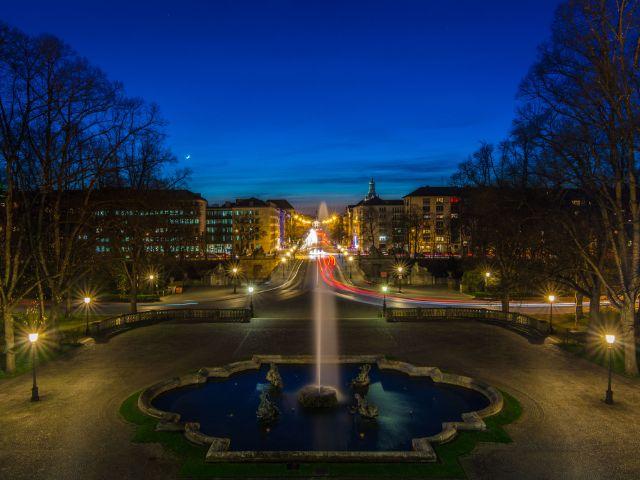 Friedensengel in der Nacht beleuchtet, Foto: muenchen.de/Michael Hofmann