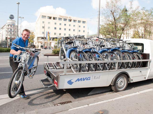 MVG Rad Fahrräder werden von Lieferwagen abgeladen, Foto: SWM/MVG