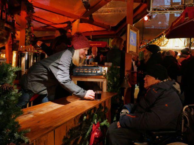 Die Feuerzangenbowle ist barrierefrei, Foto: Münchner Feuerzangenbowle