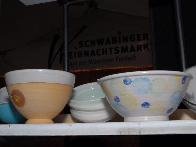 """""""Handbemalte Schüsseln für die Aktion """"Empty bowls"""", Foto: Schwabinger Weihnachtsmarkt"""