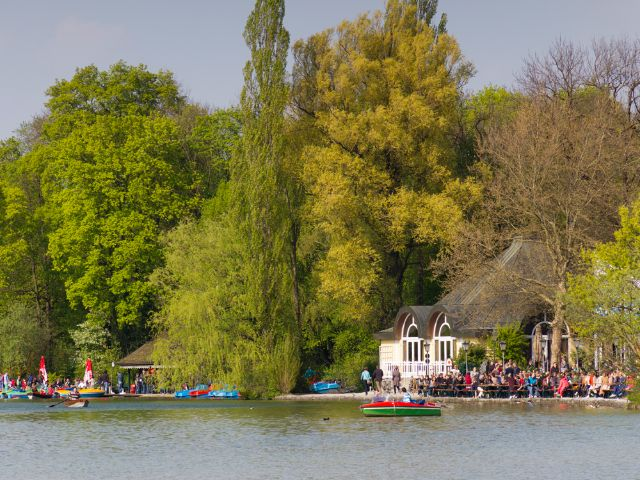 Frühling im Englischen Garten am Kleinhesseloher See, Foto: Katy Spichal