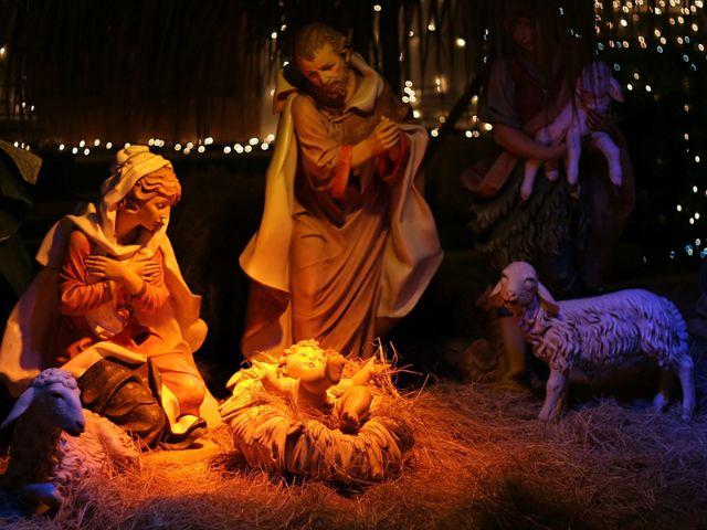 Krippe mit Maria, Joseph und dem Christkind, Foto: Shutterstock