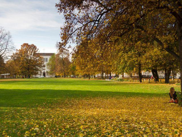 Piusplatz in München Berg am Laim, Foto: Katy Spichal